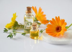 Best Essential Oil Brands: Top Reviews and Reputable Companies